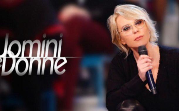 Uomini e Donne news: Maria De Filippi affronta Francesco in diretta, mentre Giulia lo elimina