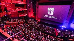 È tempo di ripresa in Cina con la riapertura di 700 cinema e la programmazione di film campione d'incassi
