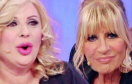 Uomini e donne, Trono Over, lo scherzo di Tina a Gemma: il nuovo pretendente è un attore (VIDEO)