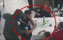 Rapina in una pizzeria a Napoli: i rapinatori puntano le armi anche sui bambini (VIDEO)